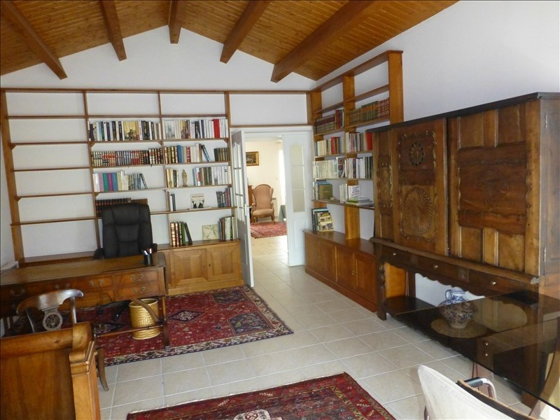 Sale house / villa St jean d angely 342000€ - Picture 3