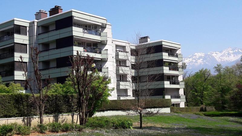 Location appartement Meylan 1280€ CC - Photo 1