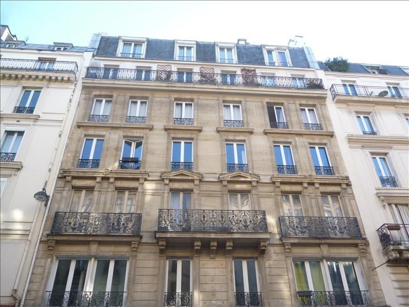 Deluxe sale apartment Paris 10ème 1335000€ - Picture 3