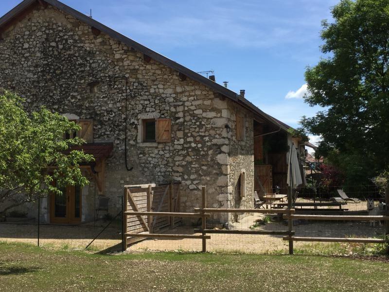 Sale house / villa Seyssel 472000€ - Picture 1