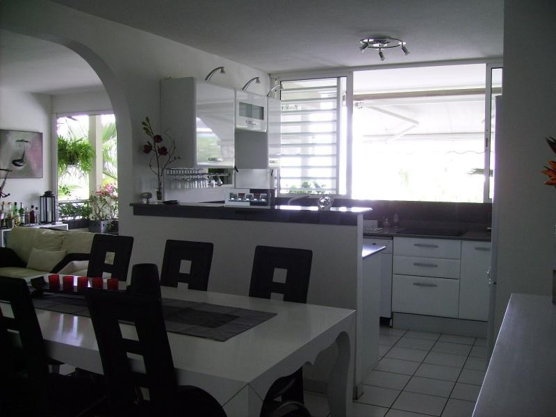 Sale apartment Le marin 216000€ - Picture 2