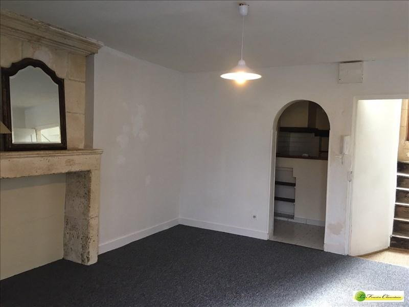 Location appartement La couronne 296€ CC - Photo 2