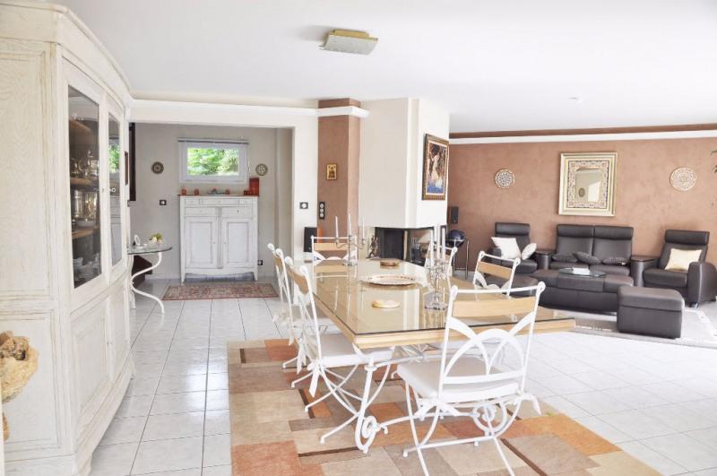 Deluxe sale house / villa Saint berthevin 582000€ - Picture 11