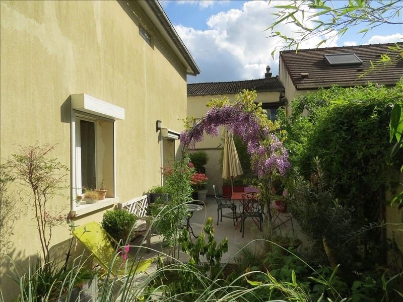 Sale house / villa Le mesnil le roi 580000€ - Picture 2