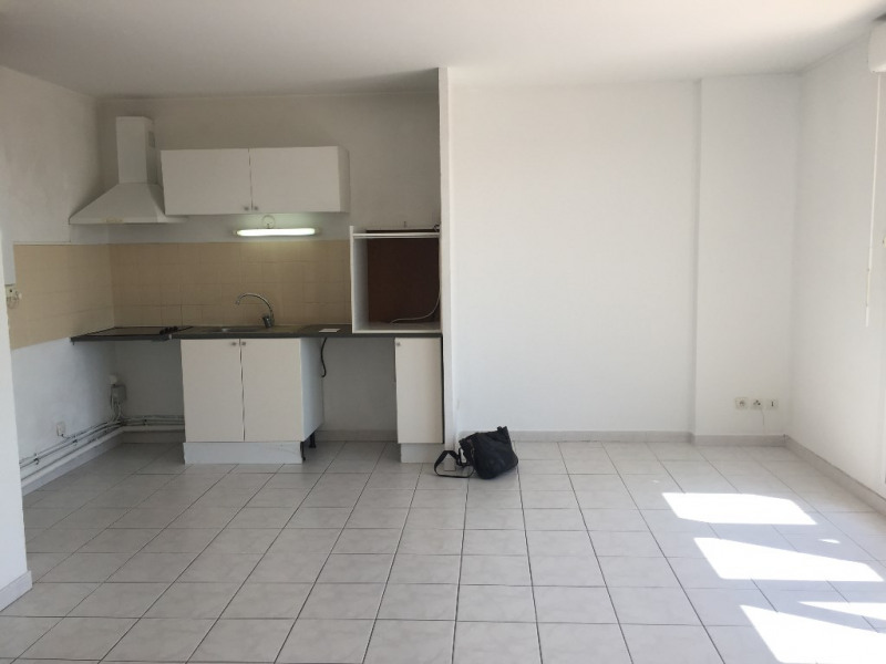 Location appartement Marseille 13ème 780€ CC - Photo 12