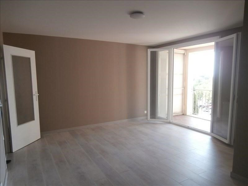Rental apartment Manosque 440€ CC - Picture 1