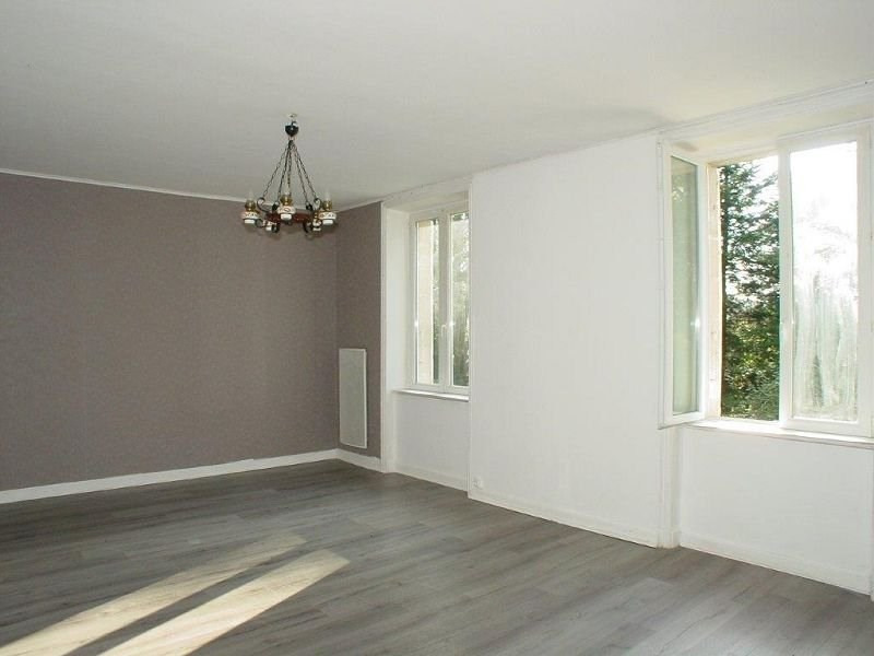 Location appartement Le chambon sur lignon 360€ CC - Photo 5