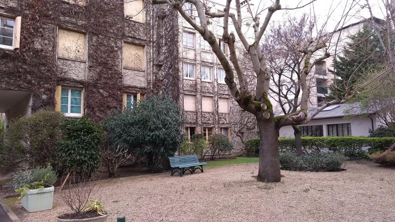 Rental apartment Courbevoie 1100€ CC - Picture 2