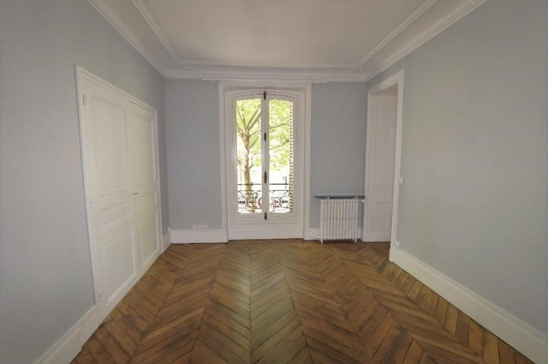Location appartement Paris 8ème 3 200€ CC - Photo 7