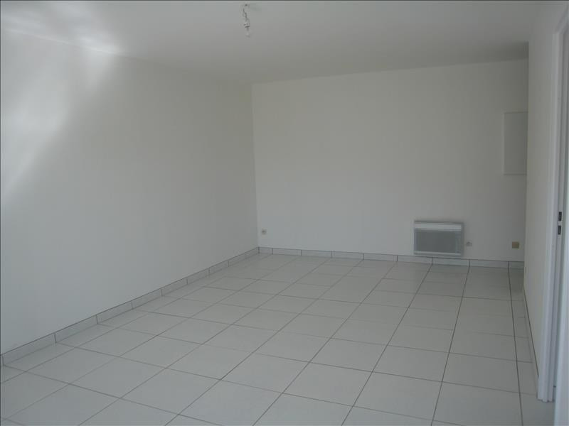 Rental apartment Osny 800€ CC - Picture 1