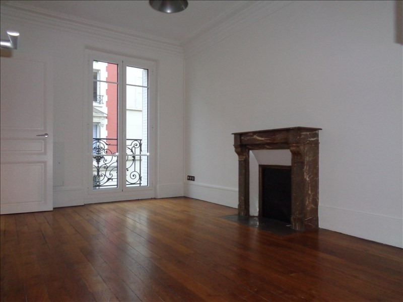 Rental apartment Courbevoie 1 488€ CC - Picture 1