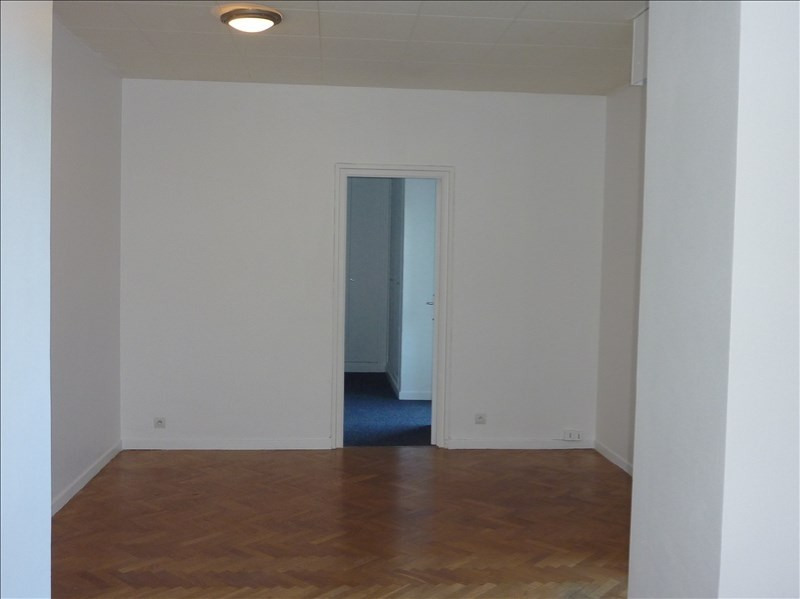 Location appartement Marseille 7ème 850€ CC - Photo 5