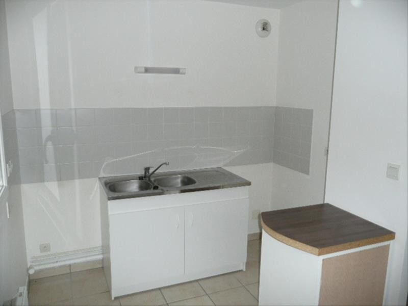 Location appartement Aubigny sur nere 449€ CC - Photo 1