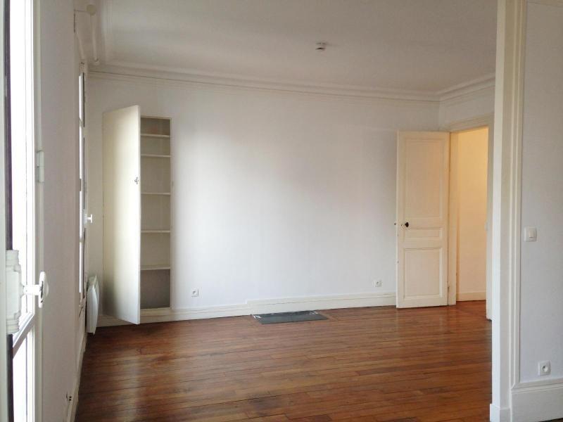Location appartement Paris 11ème 1050€ CC - Photo 3