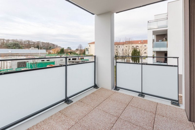 Location appartement Meyzieu 730€ CC - Photo 5