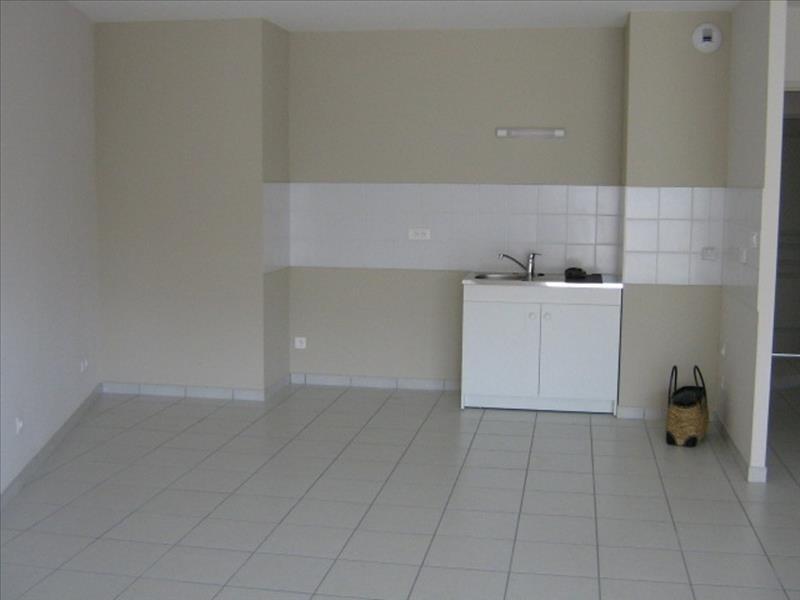 Rental apartment Roanne 739,42€ CC - Picture 3