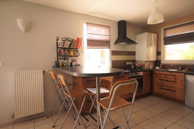 Vente maison / villa L isle d abeau 237000€ - Photo 5