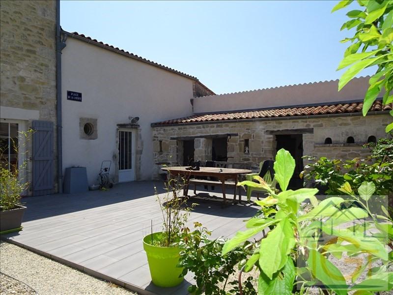 Vente maison / villa Yves 378000€ - Photo 2