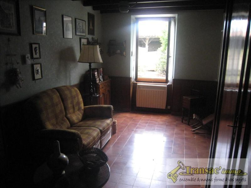 Vente maison / villa Puy guillaume 117 700€ - Photo 4