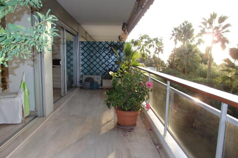 Sale apartment Golfe juan 340 000€ - Picture 1
