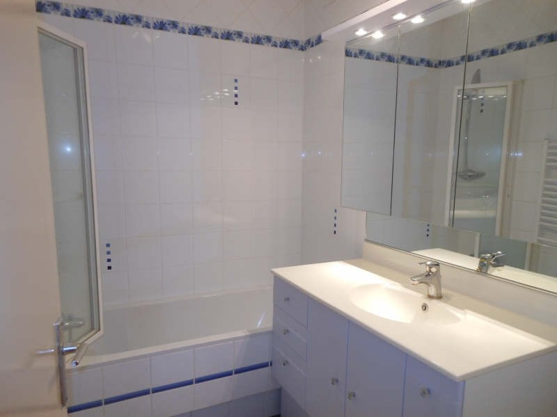 Rental apartment Vals pres le puy 561,79€ CC - Picture 3