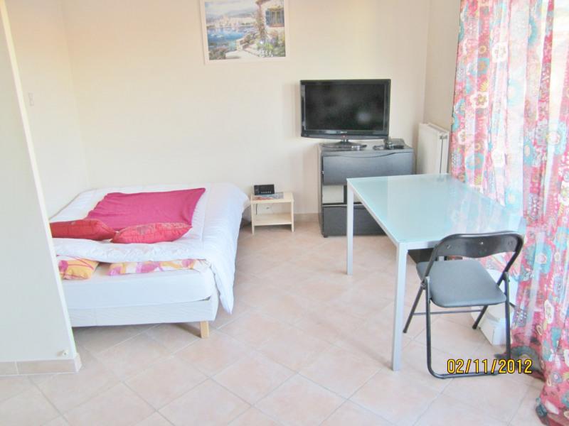 Location appartement Aubagne 550€ CC - Photo 3