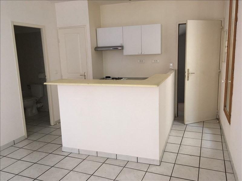 Rental apartment Manosque 420€ CC - Picture 1