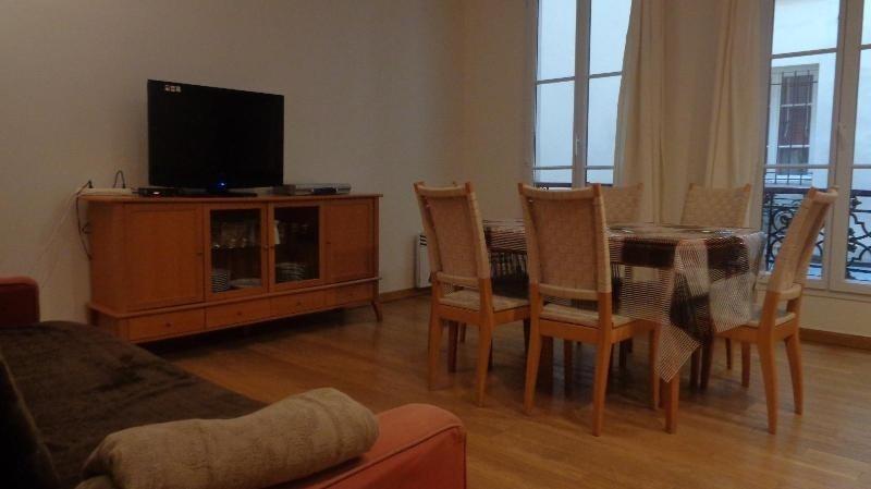 Location appartement Paris 2ème 1760€cc - Photo 3
