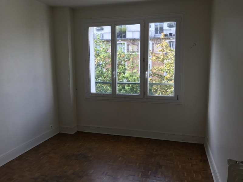Rental apartment Paris 16ème 2 250€ CC - Picture 2