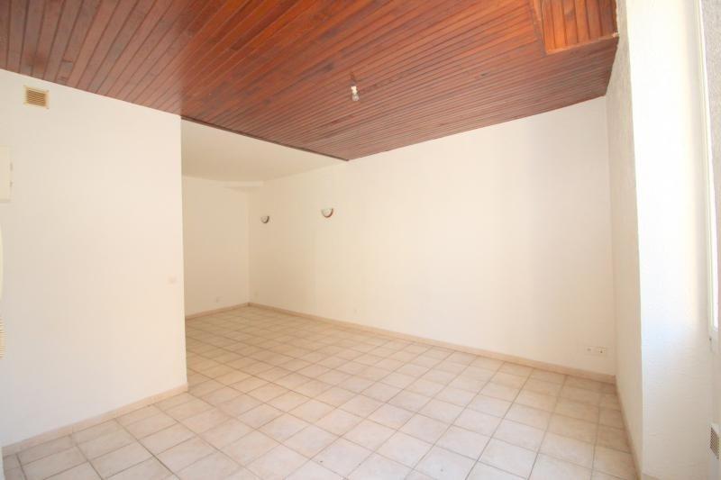 Location appartement St chamas 410€ CC - Photo 3