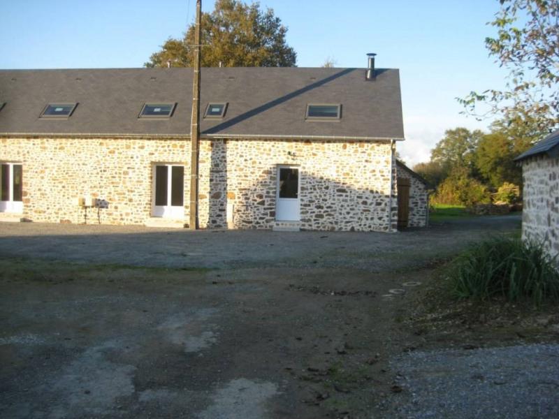 Location maison / villa Saint-pierre-la-cour 560€ CC - Photo 4