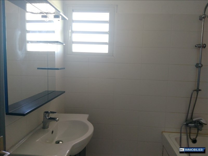 Location appartement Ste marie 850€ CC - Photo 4