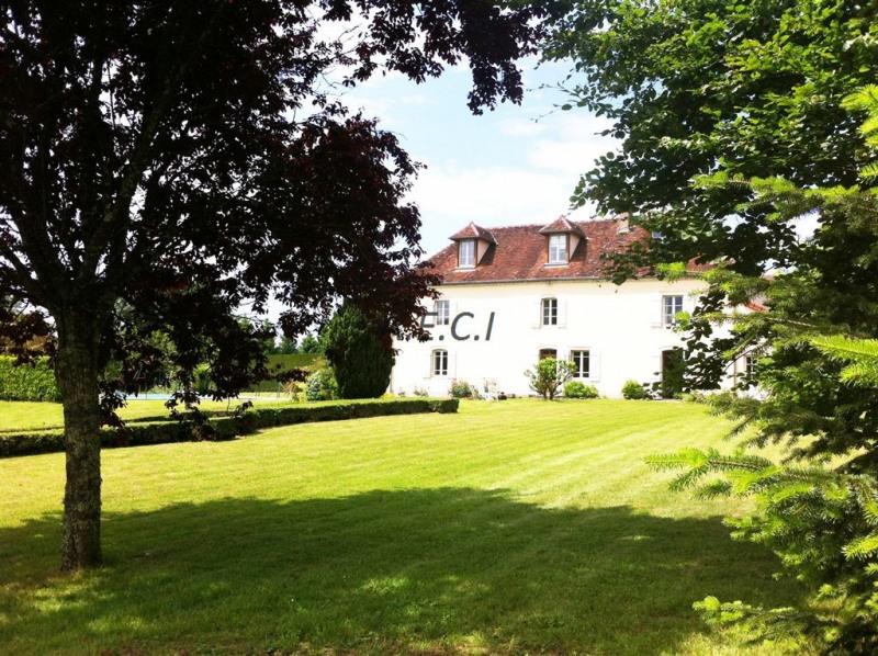 Vente de prestige maison / villa Lombard 490000€ - Photo 1
