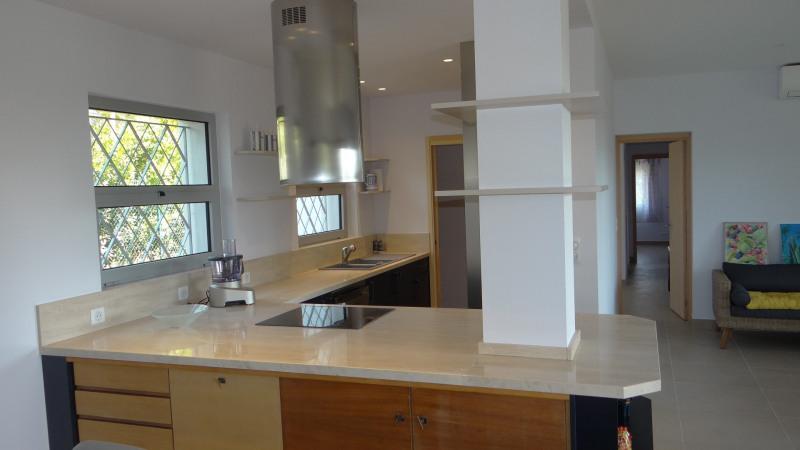 Vacation rental house / villa Cavalaire sur mer 2000€ - Picture 7