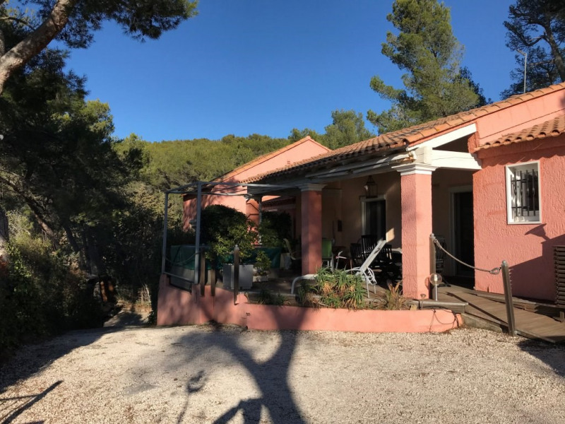 Deluxe sale house / villa Carqueiranne 572000€ - Picture 1