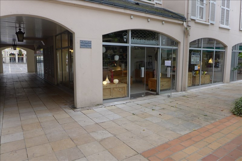 Location local commercial Garches 1 272€ HT/HC - Photo 1