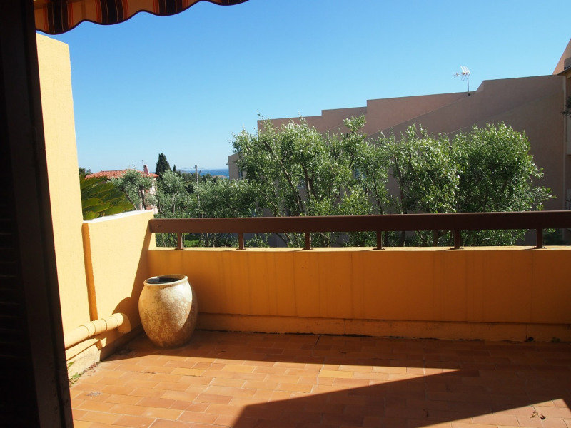 Vacation rental apartment Bandol 620€ - Picture 8