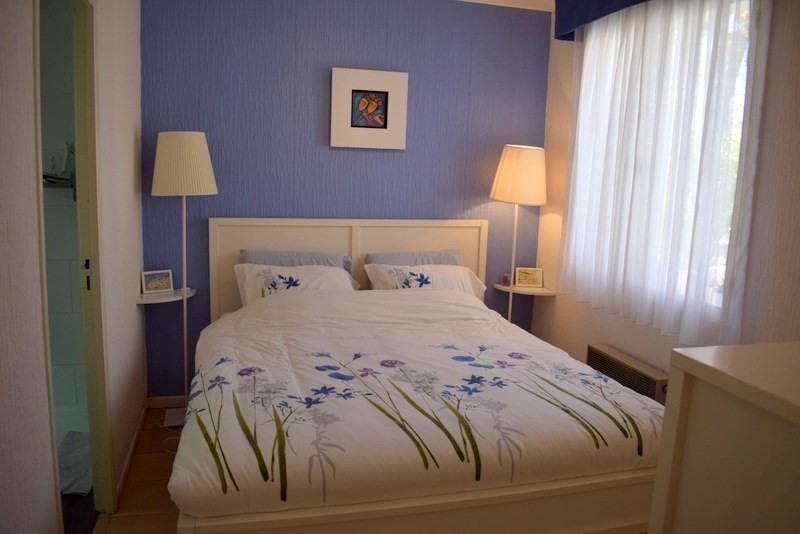 Revenda casa Bagnols-en-forêt 377000€ - Fotografia 16