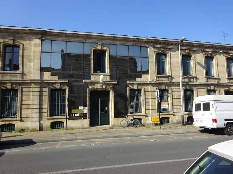Location bureau Bordeaux 3337,20€ CC - Photo 1