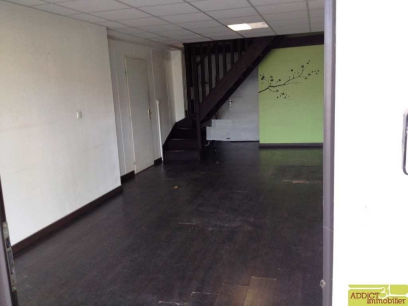 Location local commercial Garidech 587€ CC - Photo 2