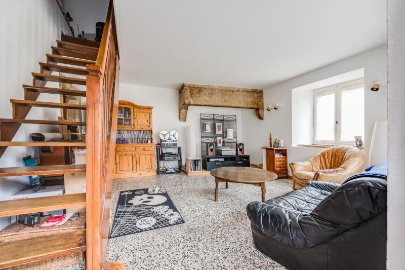 Sale apartment Montfaucon 92000€ - Picture 2