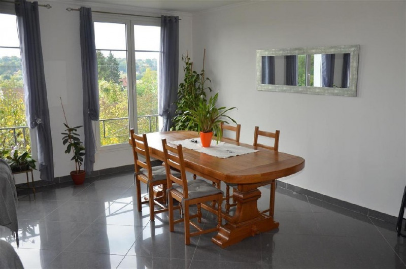 Sale house / villa Chartrettes 320000€ - Picture 4