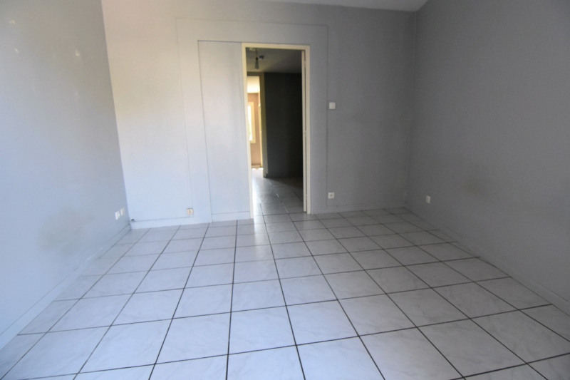 Sale apartment Chambly 113 000€ - Picture 2