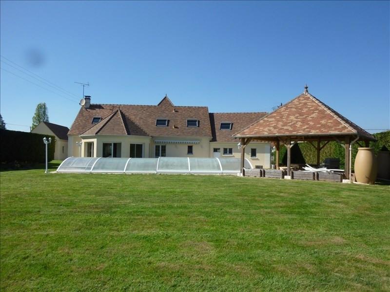 Sale house / villa Charbuy 420000€ - Picture 1