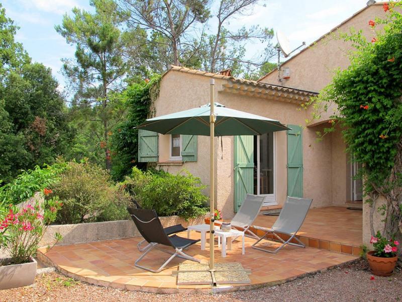 Vente maison / villa Bagnols-en-forêt 590000€ - Photo 3