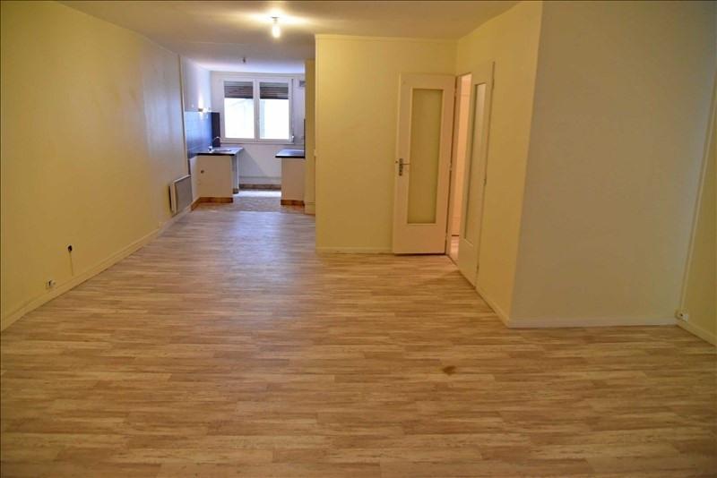 Rental apartment Nantua 360€ CC - Picture 2