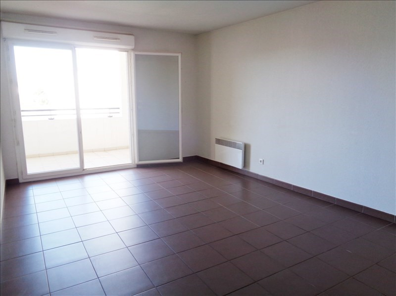 Location appartement Seyne sur mer 720€ CC - Photo 2