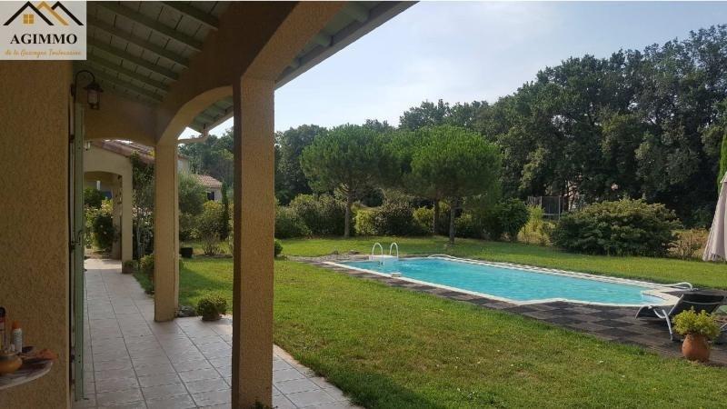 Sale house / villa L isle jourdain 390000€ - Picture 2