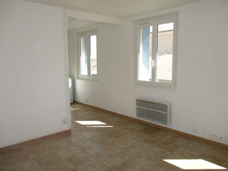 Rental apartment Niimes centre 440€ CC - Picture 1