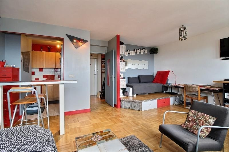 Sale apartment Paris 10ème 465 000€ - Picture 1